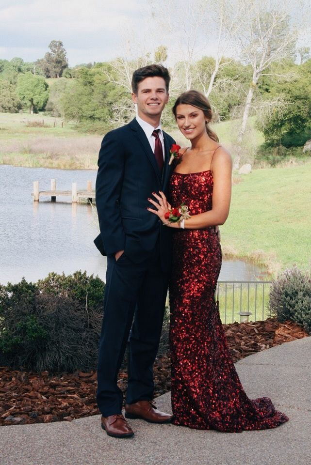 Couple prom pictures  Prom pictures  Prom picture ideas –