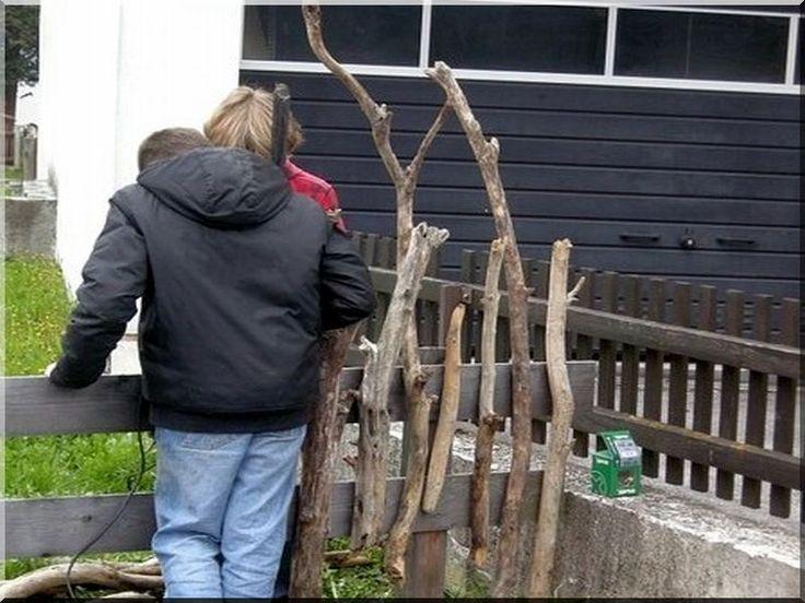 Fakerítések építését vállaljuk rendkívül tartós akácfából! - rusztikus fakerítés - akác deszkakerítés - rönkkerítés - natúr fa kerítés