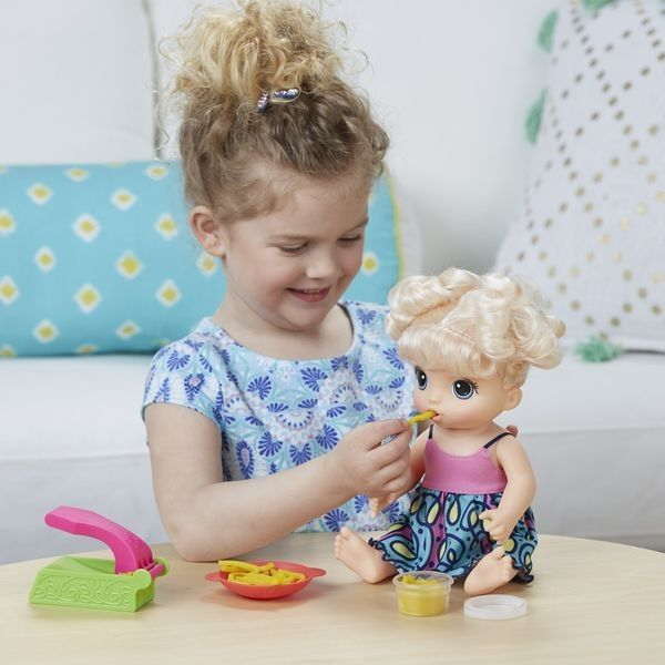 30 71 Baby Alive Super Snacks Snackin 39 Noodles Baby Blonde Hasbro Baby Alive New Baby Products Super Snacks