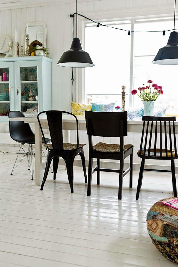 Las sillas, en el comedor, una de cada madre | Etxekodeco