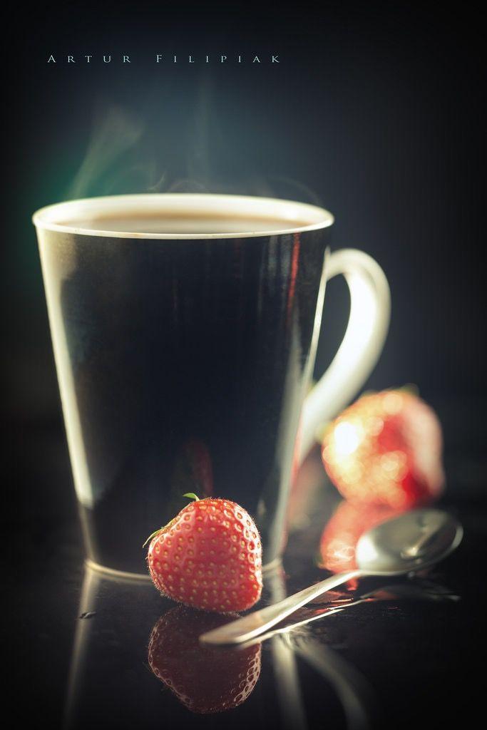 Ягоды, а особенно клубника, черника. голубика и ежевика, прекрасно сочетаются с черным кофе