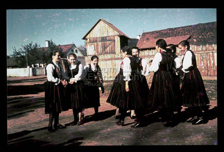Szekler girls:) NHA Néprajzi Múzeum   Online Gyűjtemények - Etnológiai Archívum, Diapozitív-gyűjtemény