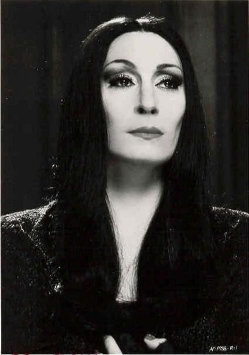Anjelica Huston as Morticia - 'The Addams Family', 1991. ☚