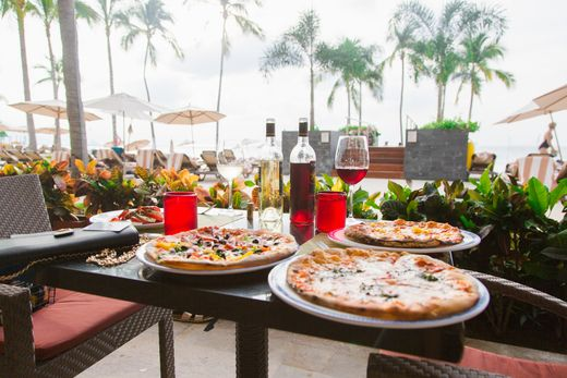 Enjoy all of the options that Hyatt Ziva Puerto Vallarta's dining scene has to offer. Choose from local Mexican foods, Southeast Asian fusion cuisine or all of the classics at our upscale food carts. Satisfy your craving for an all-inclusive vacation in Mexico. | Hyatt Ziva Puerto Vallarta