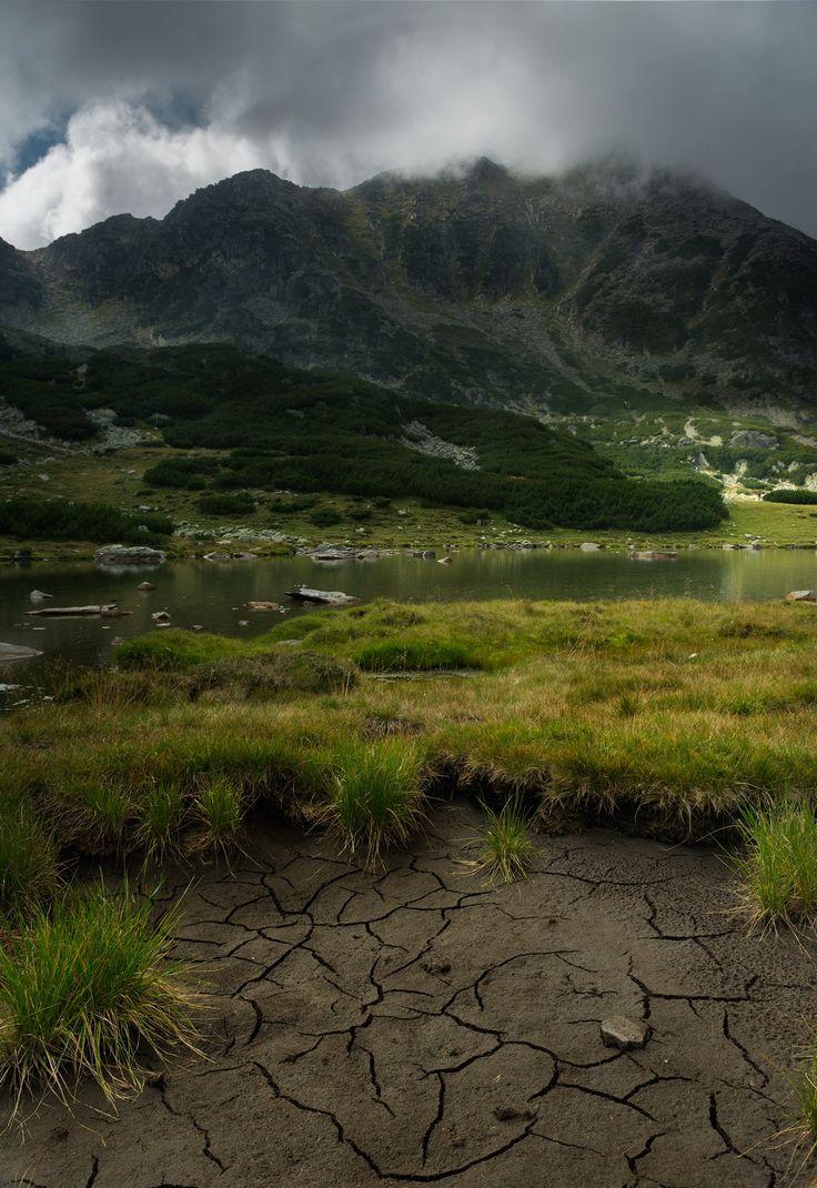 Retezat peak, Parcul National Retezat, Romania (by Radu Baciu)