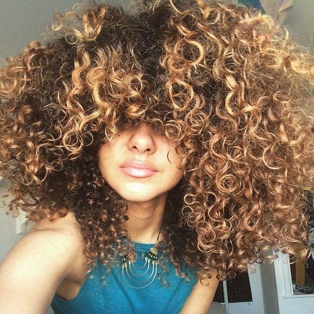 Book Photos Filles Cheveux Frises Boucles Honey Hair Color Natural Hair Styles Blonde Natural Hair