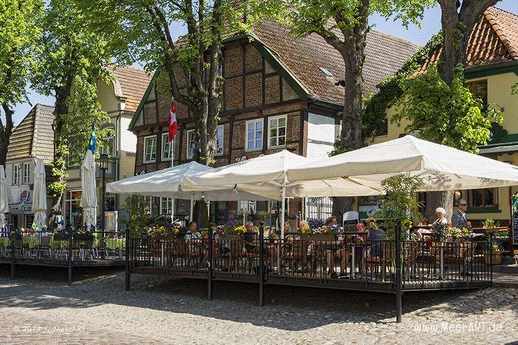 Eine Kleinstadt mit unglaublich viel Flair – Burg auf Fehmarn // Foto: MeerART