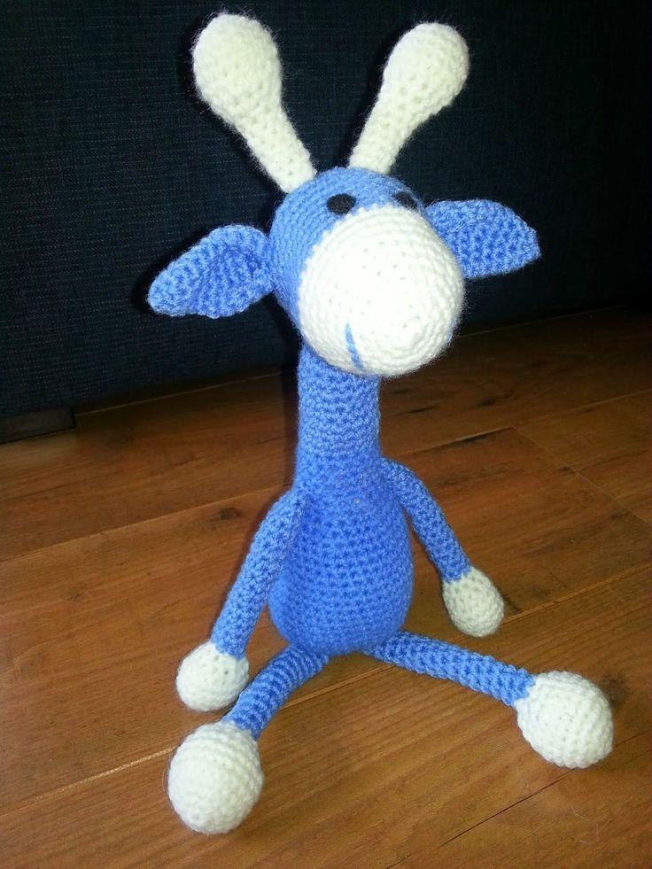 Het patroon van deze leuke giraffe kwam ik tegen op een blog van Tineke, gehaakteknuffies.blogspot.nl .   Zie hier mijn giraffe. Ik heb het...