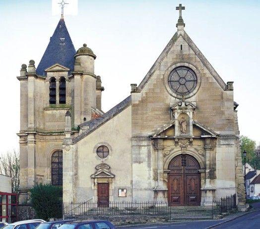 Église Saint-Acceul, Écouen. 1) Anne de Montmorency (1493-1567) fait reconstruire le choeur de l'église paroissiale de 1536 à 1544 dans le style gothique flamboyant, encore prédominant à cette époque. Comme dans la chapelle du chateau, il fait peindre sur les voûtes l'épée nue, emblème de sa fonction de connétable. La nef, à la charge de la paroisse, est bâtie en 1709. Jusqu'au milieu du XIX°s, elle s'achève par un simple mur-pignon, doté d'un petit porche saillant.