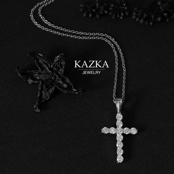 Потрясающий крестик, дополняющий ваш образ. Символ веры и преданности. В наличии в разных вариантах: серебро, белое и красное золото, фианиты, бриллианты. Просмотреть все подвесы в интернет-магазине KAZKA Jewelry - http://kazka.ua/kuloni/