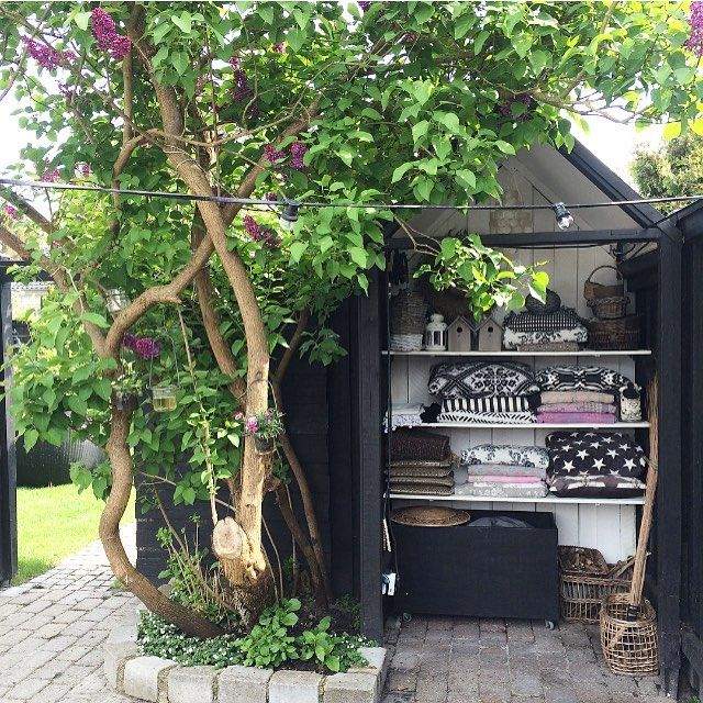 My tiny little house where I store textiles, candles etc #outdoorstyling…