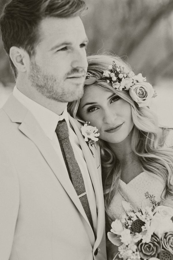 sweet wedding photo ideas with groom