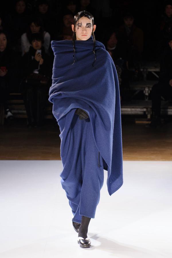 Défilé Yohji Yamamoto Automne-hiver 2015-2016 Prêt-à-porter
