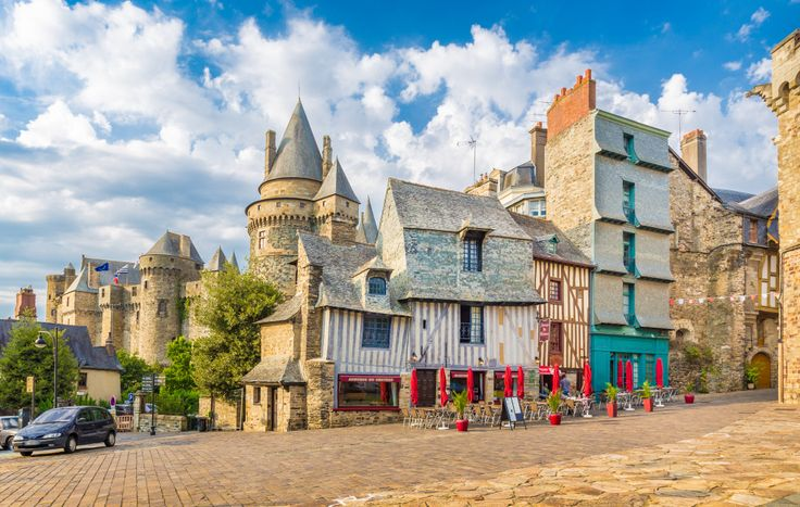 Medieval Town of Vitre, France puzzle in Street View jigsaw puzzles on TheJigsawPuzzles.com. Play full screen, enjoy Puzzle of the Day and thousands more.