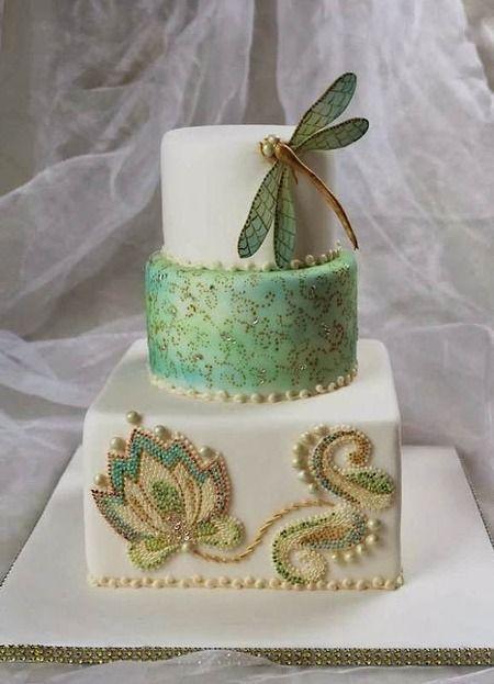 Gorgeous art nouveau dragonfly cake, found via Cake Wrecks' Sunday Sweets