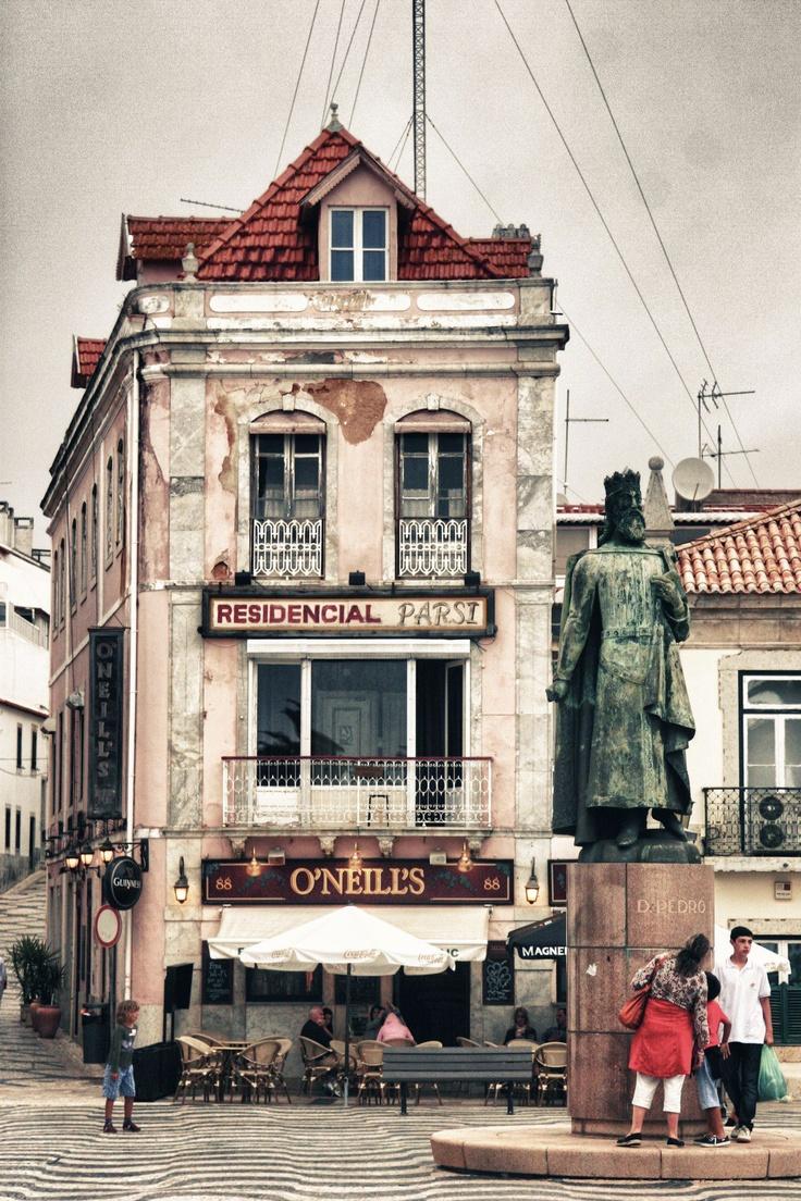 """Residential Farsi upstairs / O'Niell's, Street Level. Cascais by Antonio Rodilla http://antoniorodilla.files.wordpress.com/2011/11/331162_10150432205971546_707931545_8621045_425106235_o_2.jpg"