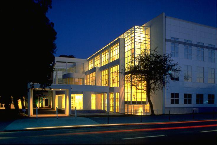 Richard Meier Frankfurt Museum night's view