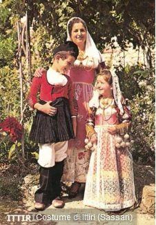 Costumi Sardi – Antiche Foto e Cartoline