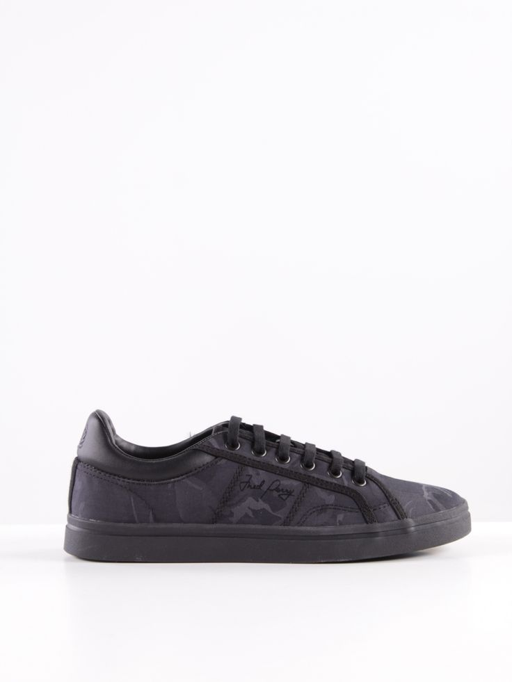 FRED PERRY REF: 367-B8243 99,00€