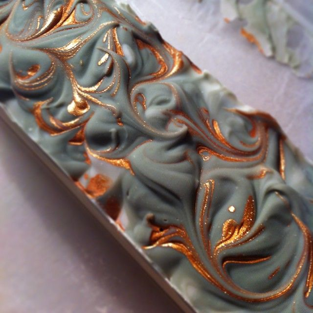 Here's the top of my soap loaf before I cut it. I've been playing around with…