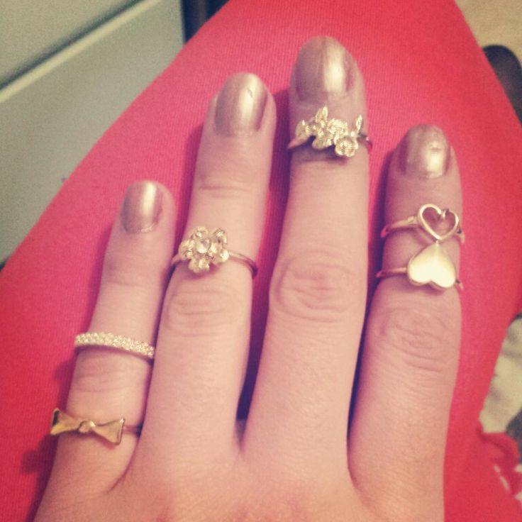 Midi ring sets. New trend