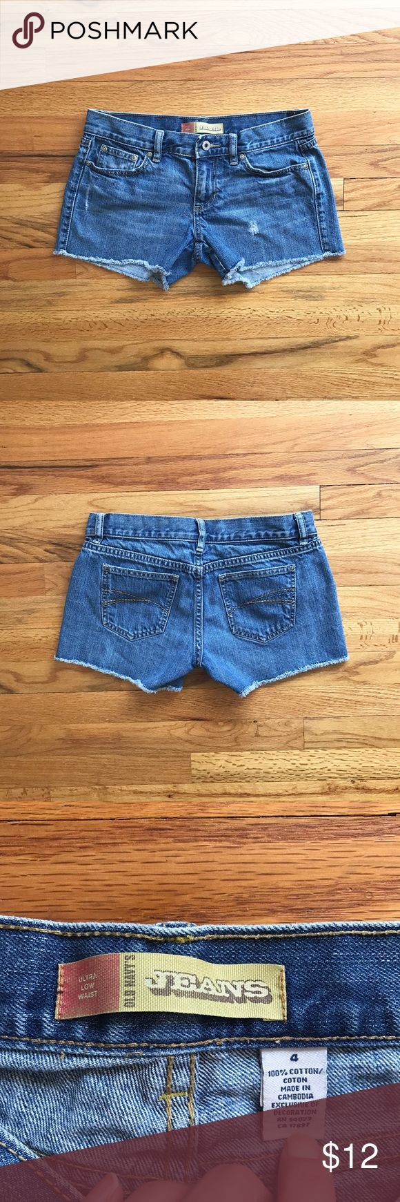 OLD NAVY low waist cutoff jean shorts Super cute jean shorts by OLD NAVY in excellent used condition. Light wear; no flaws. Fits true to size. Old Navy Shorts Jean Shorts