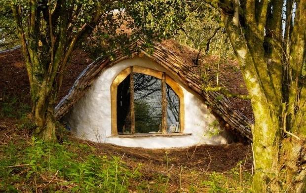 Hobbit House: Real Life, Hobbit Hole, The Hobbit, Cob House, Hobbit Home, Dreams House, Trees House, Underground Home, Hobbit House