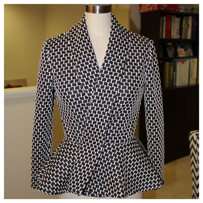 Low Price Fabric: Mimi G Pattern Review & DIY Steps!.....Definitely will be trying this jacket for the Fall.