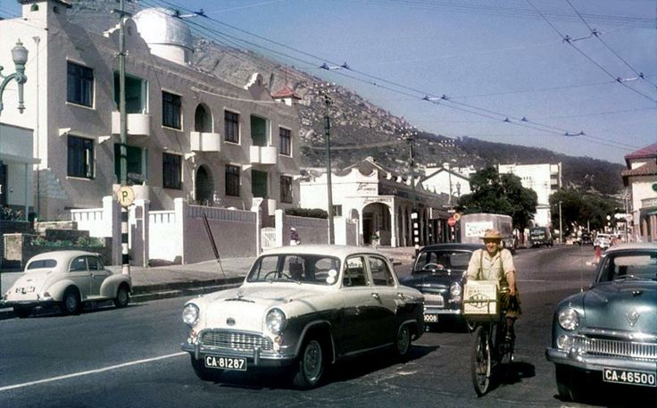 Main Road, Sea Point, Cape Town (1958) Where the Main Road split into Kloof Road to the left of this pic, and Main Road continued at the bottom.