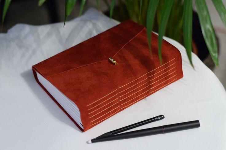 Скетчбук А5 из замши с магнитной застёжкой и акварельной бумагой, цвет на выбор