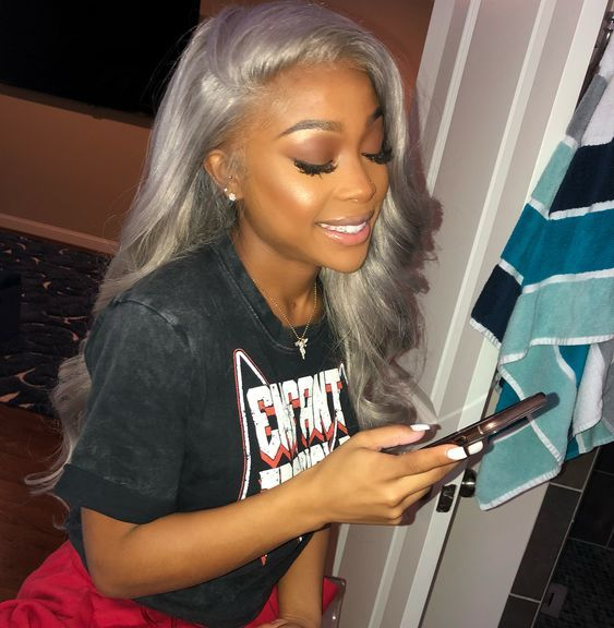 Grey bundles with closure