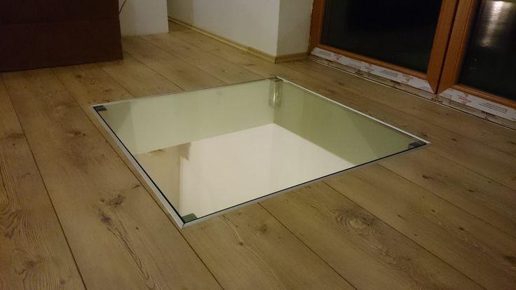 Pochozí sklo s atypickými kotvami pro uložení skla.