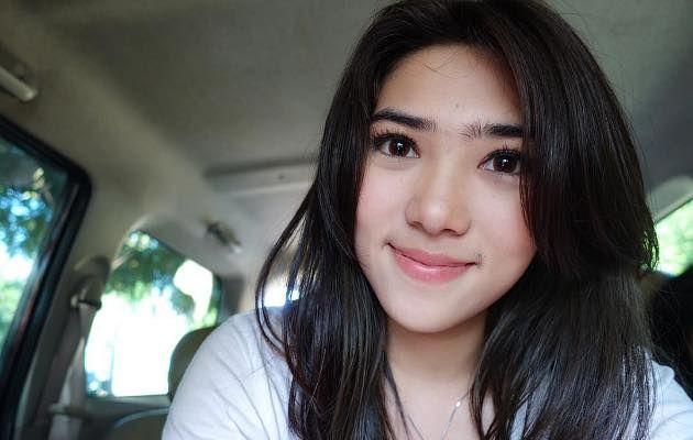 Bikin Ngakak, Netter Kembali Bongkar 'Aib' Isyana Sarasvati | Kabar, Berita, Artikel & Hot Gossip - WowKeren.com