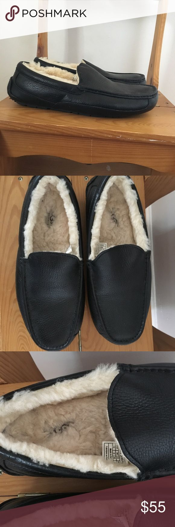 ✨BARELY WORN✨Men's UGG Slippers Barely worn!! Genuine UGG Ascot slippers retail price $120. Just worn around the house a couple of times. Excellent condition. Comment with questions! UGG Shoes Loafers & Slip-Ons