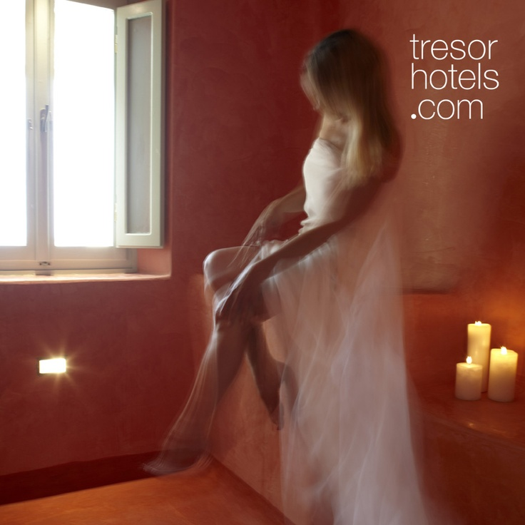 Trésor Hotels & Resorts_Luxury Boutique Hotels_#Greece_ #Voreina Gallery #Suites is propably your perfect #honeymoon destination. The hospitable atmosphere and the luxurious facilities will allow you to #relax end enjoy an unforgettable #honeymoon.