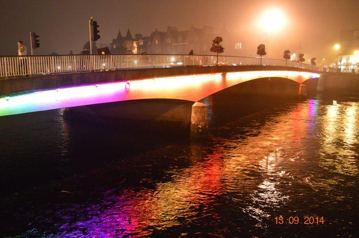 Puente sobre el río Ness en Inverness. ¿Sabíais que los habitantes de esta ciudad escocesa son los más felices de todo Reino Unido?