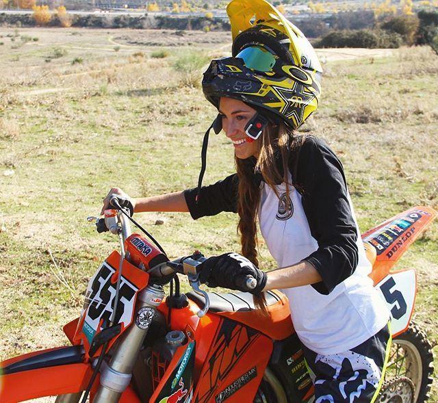 WEBSTA @ eguiraun - Día increíble de motocross con @rfzardain 👊🏻✊🏻✊🏻✊🏻💨#ktm #125 #2t #motocross