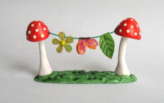 Miniature FAIRY WHIMSY TOADSTOOL CLOTHESLINE by by ArtisticSpirit