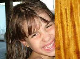 Isabella Nardoni, 5 anos, foi morta em 2008 na zona norte de São Paulo. A menina havia sido jogada do sexto andar do prédio em que morava. O pai e a madrasta foram os principais suspeitos e posteriormente julgados e condenados a 31 anos e 26 anos de prisão, respectivamente.