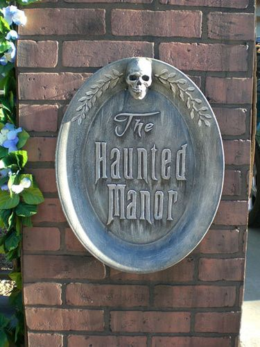 My favorite yard haunt : From 2010- The Haunted Manor.-post-plaque.jpg