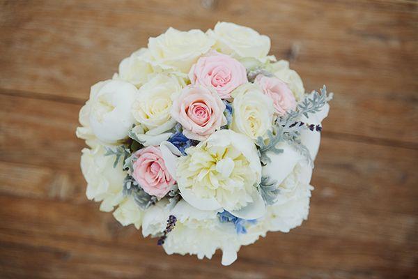 Νυφική ανθοδέσμη με λευκές παιώνιες, δελφίνιο, ροζ και λευκά τριαντάφυλλα See Full Post   Photography by KOSTIS MOUSELIMIS