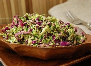 Asian Broccoli Slaw / #lowcarb ♥ shared via https://facebook.com/lowcarbzen