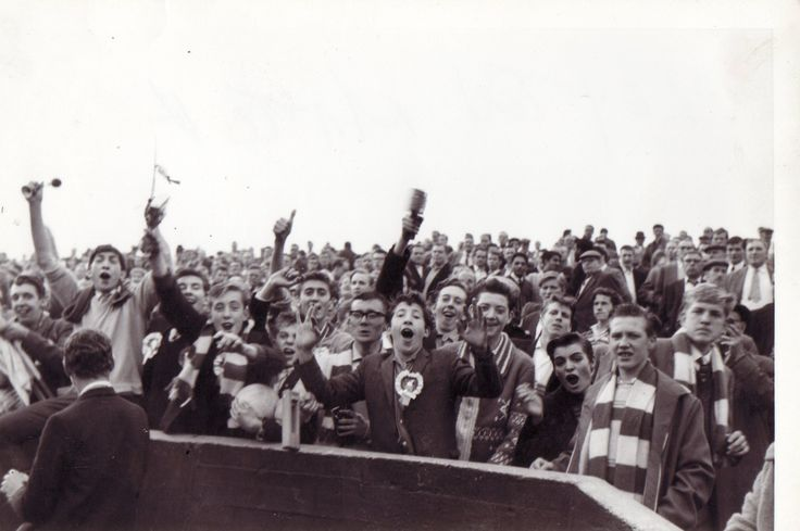 Sept. 22nd. 1962 : Wednesdayites celebrate a 4-2 away win at Leyton Orient