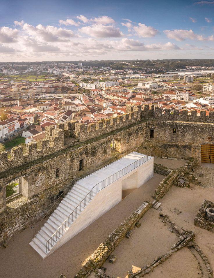 COMOCO arquitectos, Fernando Guerra / FG+SG · Pombal's Castle Visitor Centre. Portugal · Divisare