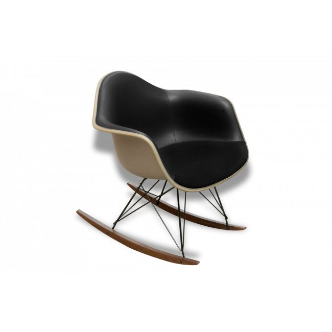 Les 25 meilleures id es de la cat gorie rocking chair for Eames a bascule