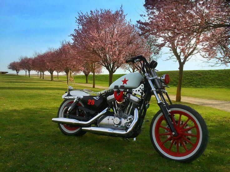 74 best moto inspiration images on pinterest motorcycles. Black Bedroom Furniture Sets. Home Design Ideas