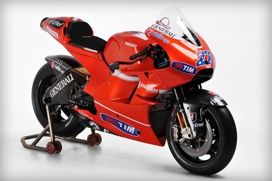 Ducati Desmosedici 2010 Casey Stoner Moto GP 1:10 Maisto