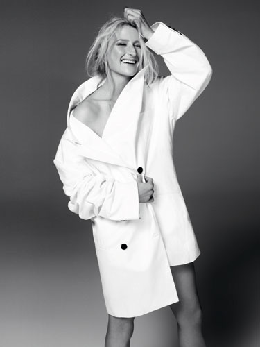 Mamie Gummer Takes on the Classics -- Meryl Streep's daughter
