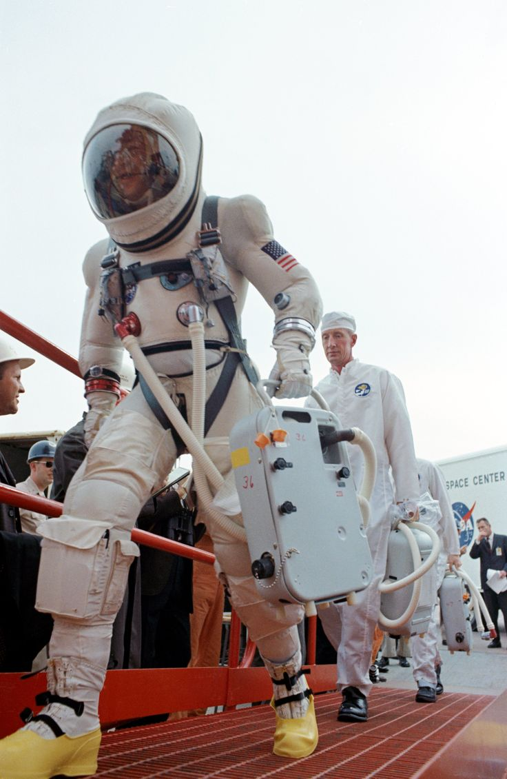 Astronaut Jim Lovell making his way To launch on GEMINI 7