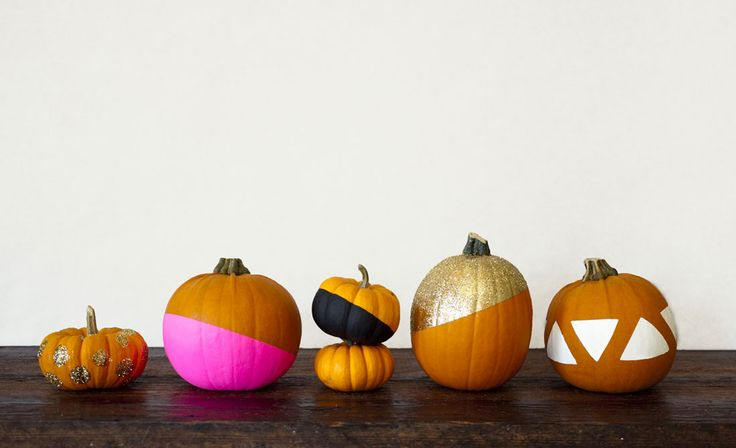 How fun are these glitzy pumpkins for Halloween?: Decorate Pumpkins, Holiday, Halloween Decoration, Diy'S, Decorating Ideas, Painted Pumpkins, Pumpkin Design, Diy Pumpkin